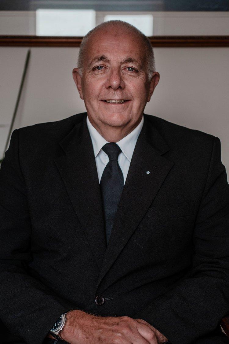 Mr Alan Parker - Chauffer Bearer